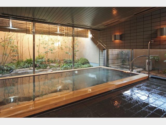 庭園 大浴場