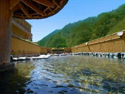 湯原最大の屋上露天「冠月の湯」