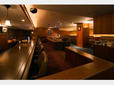ホテルB1 バー「シャトレーヌ」
