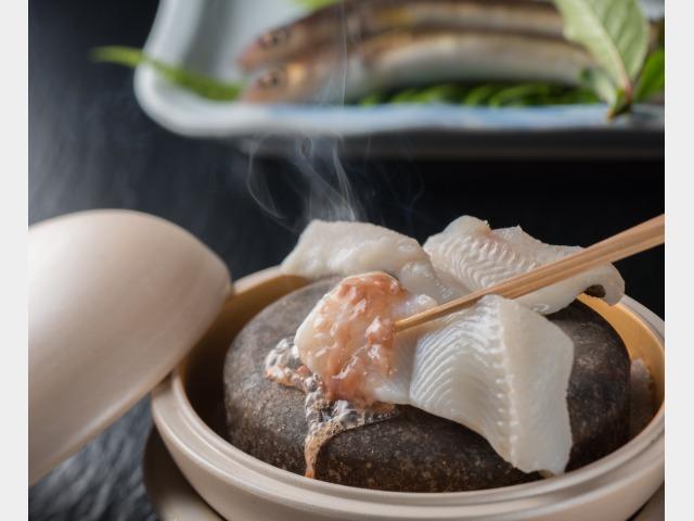 夕食イメージ 穴子の石焼
