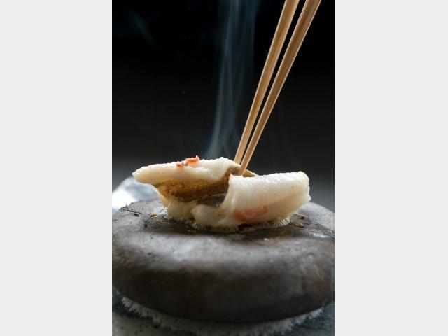 夕食一例 穴子石焼