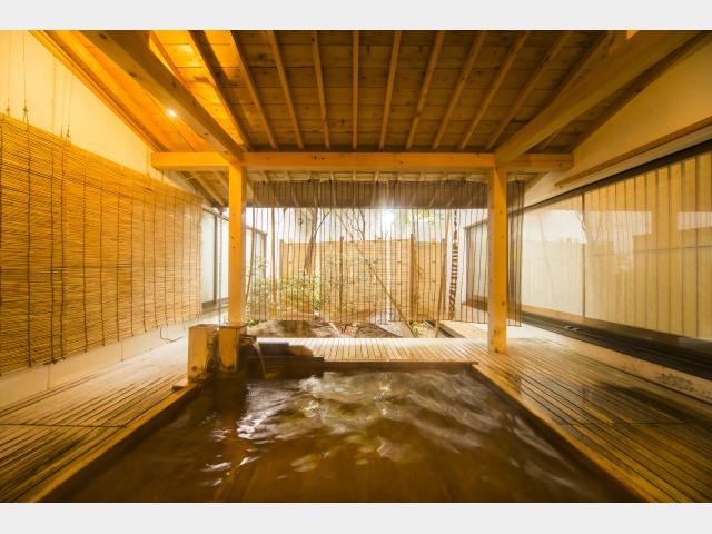 露天風呂(山頭火の湯)