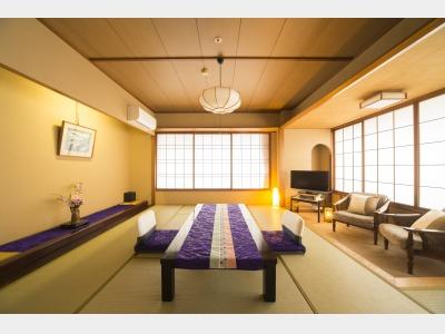 客室一例(佳松亭和室)