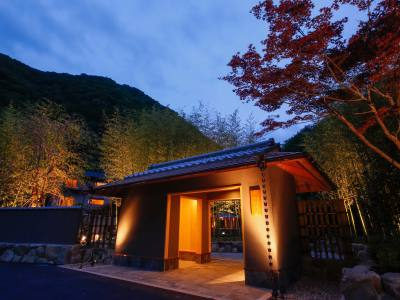 湯山荘 阿讃琴南の外観