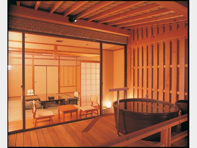 客室一例(三の館清月亭和室 露天風呂付)