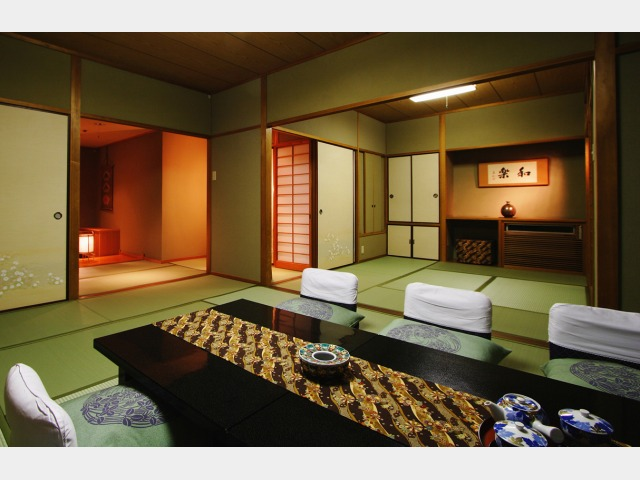 客室一例(開花亭 和室二間特別室)