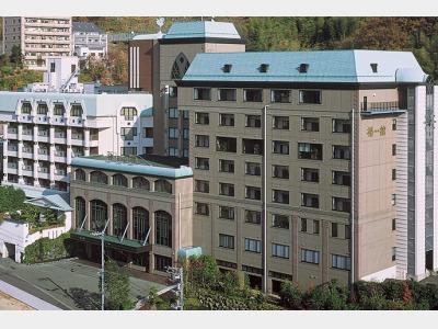 ホテル椿館