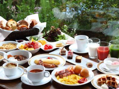 【朝食】オールデイダイニング「グランカフェ」和洋ブッフェ