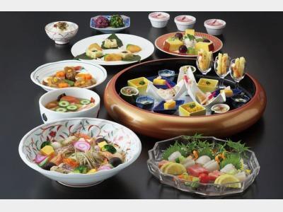 夕食一例/創作卓袱料理(3名盛)