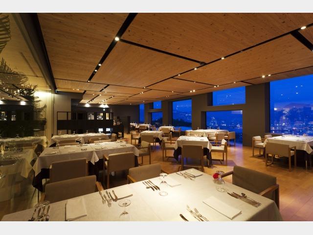 レストラン「フォレスト」フレンチコース 店内イメージ
