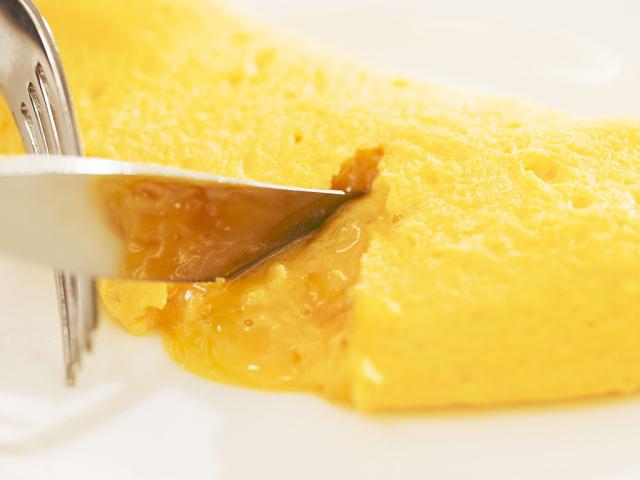 【朝食】ライブキッチンで出来立てを食べられるふわふわオムレツ