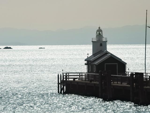 早朝には海がキラキラと輝く美しい風景を見れる事も