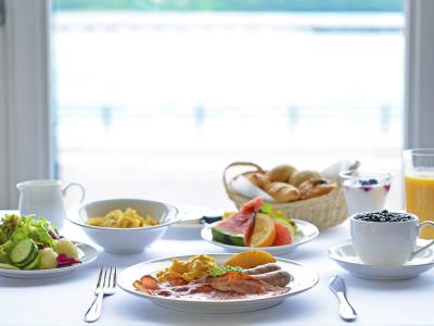 【朝食】朝を贅沢に過ごす60種類以上の健康的な朝食ビュッフェ