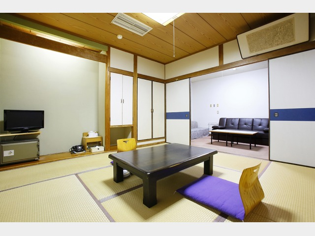 客室一例(文学館和洋室)
