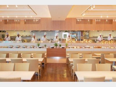 本館レストラン「シーズ」