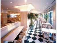 カフェレストラン「トリアン」