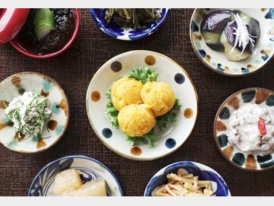 朝食|沖縄伝統の長寿料理「ぬちぐすい(命のくすり)」