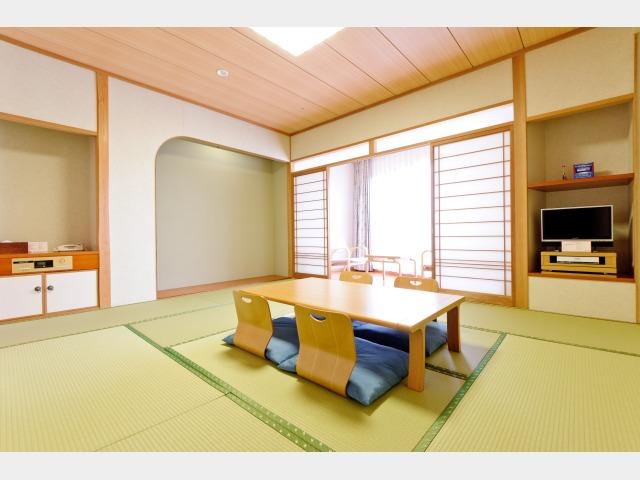 客室一例 42平米 和室 バス・トイレ別