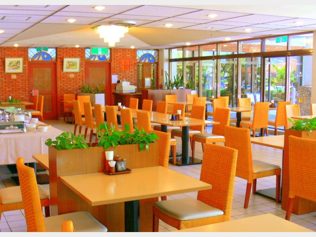 1Fレストラン「アカバナ」朝食会場