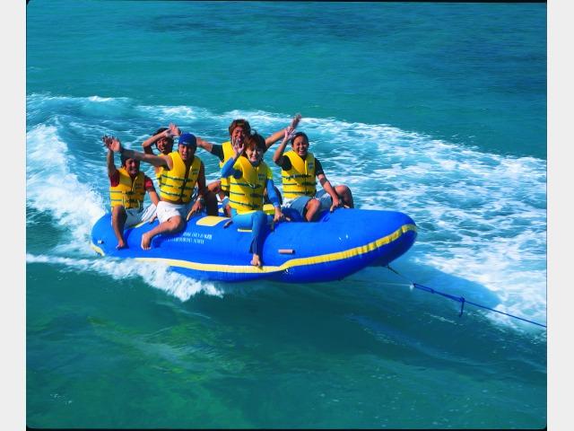かりゆしビーチ|ドラゴンボート