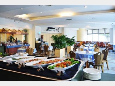 ランチ・ディナーレストラン|カジュアルダイニング「ブルーラグーン」