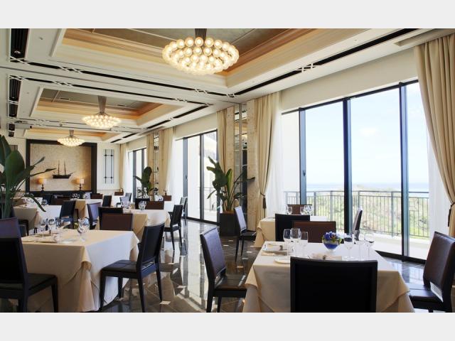 洋食レストラン「エスカーレ」 5F