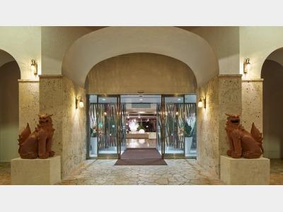 センチュリオンホテルアンドリゾートヴィンテージ沖縄美ら海の外観