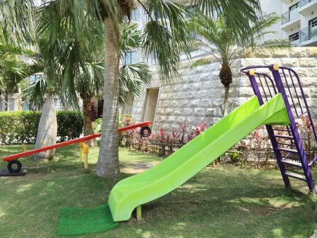 中庭に設置のお子様用遊具