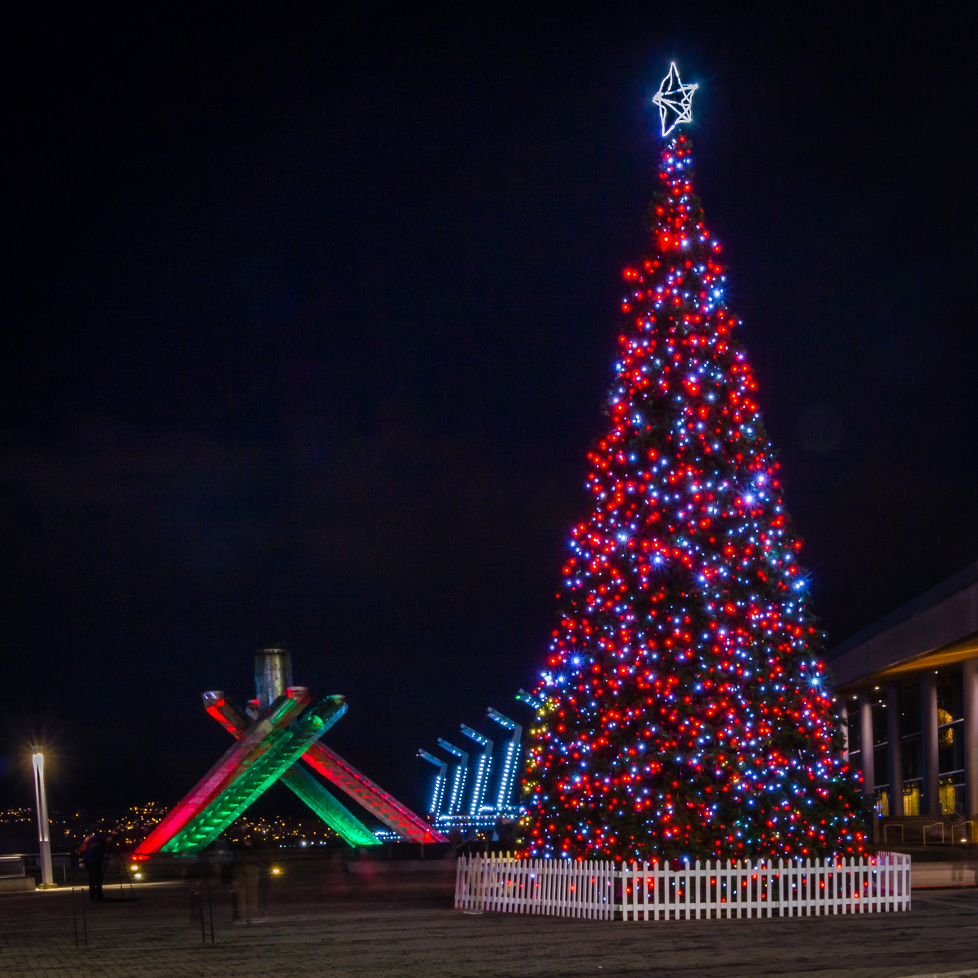 【大阪発】クリスマスイルミネーションバンクーバー5・6・7日【祭り】