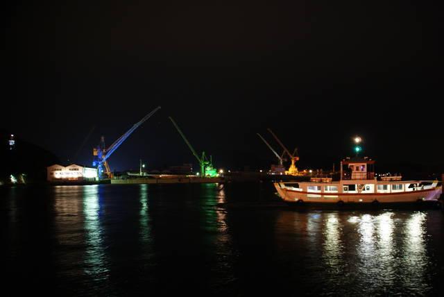 造船所のライトアップ