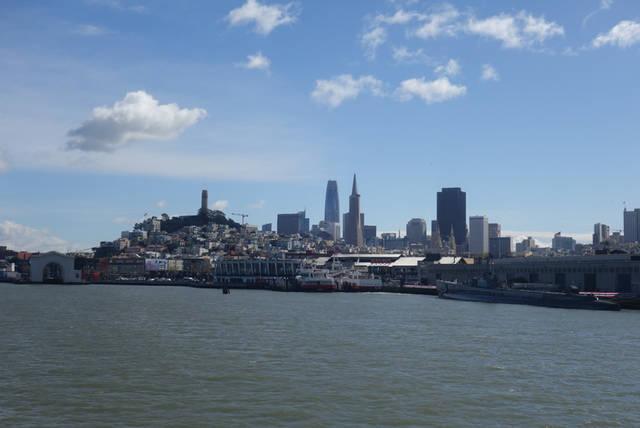 サンフランシスコが近付いてきました。すばらしい景色が広...