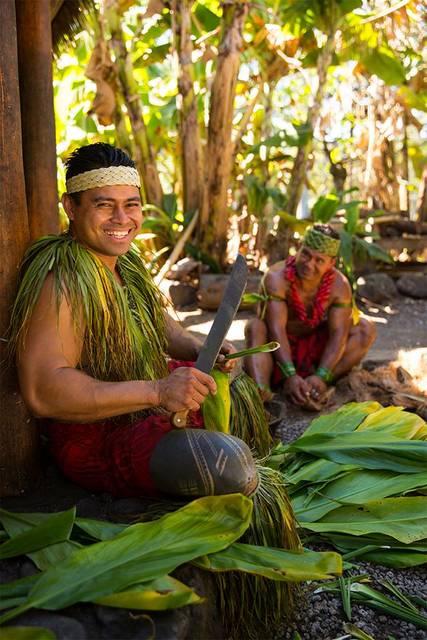 サモア村では、爆笑まちがいなしのショーを観賞できる。