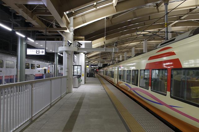 新潟駅の乗り換えホーム
