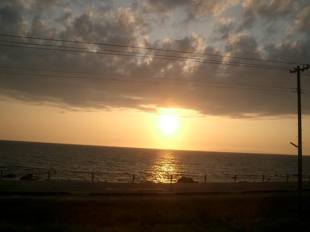 特急いなほ号から見える夕日