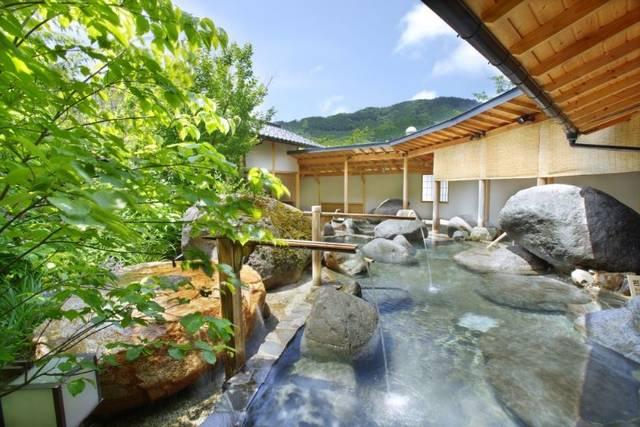 露天風呂「桃里の湯」