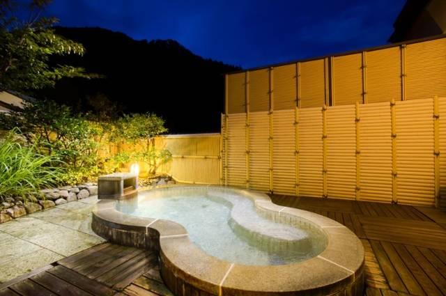 貸切展望露天風呂「月の湯」