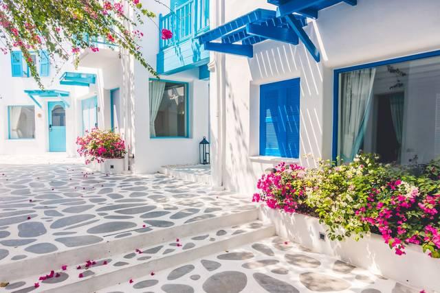 インスタ映え確実!一生に一度は見たい白と青の絶景・ミコノス島 ...