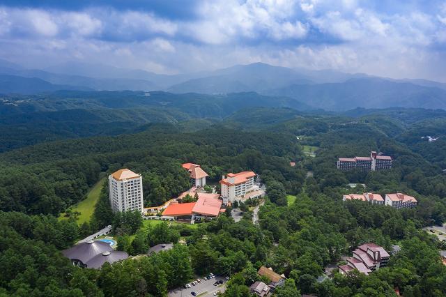標高1200メートルの自然に広がるホテルヴィレッジ