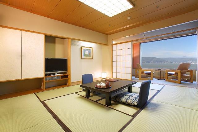 客室一例 諏訪湖側 10畳 和室