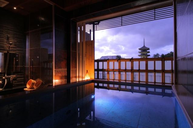 興福寺五重塔を望む貸切風呂