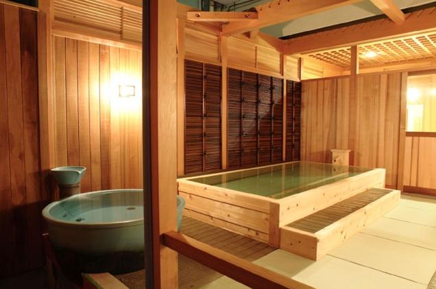 温泉露天風呂「月光の湯」