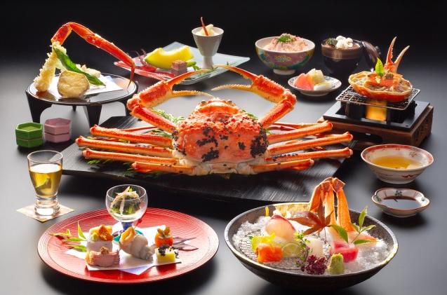 夕食一例(「活ズワイ蟹を食す蟹尽くし会席」)