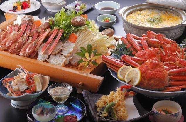 夕食一例(「カニ楽膳」)