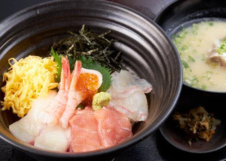 長崎近海の鮮魚を使用した網元殿様丼