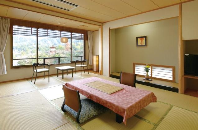 客室一例 山側客室
