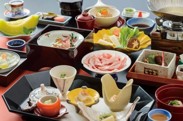 夕食/四季彩黒豚しゃぶ付き会席イメージ