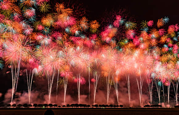 登録有形文化財「十和田ホテル」に泊まる 日本三大花火大会「大曲の花火」と十和田・奥入瀬・八幡平 3日間
