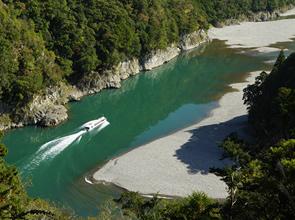 おすすめ7大スポットをめぐる 秋風が心地よい和歌山絶景&秘境爽やかドライブ 2日間
