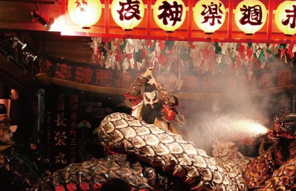 石見神楽を貸切特別上演 島根県が誇る世界遺産と日本遺産をめぐる旅 2日間