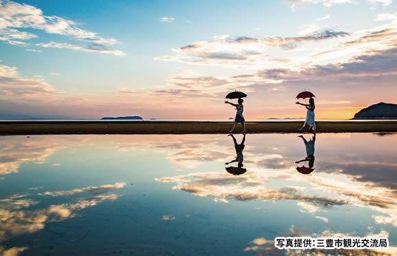 日本のウユニ塩湖 瀬戸内海絶景の水鏡 父母ヶ浜と琴平・倉敷 2日間